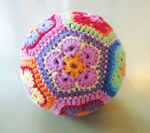 Xo Ein Ding: Hvad du ønsker, skal du få: Toy Gifts, Crochet Ball, Baby Toys, Baby Stuff