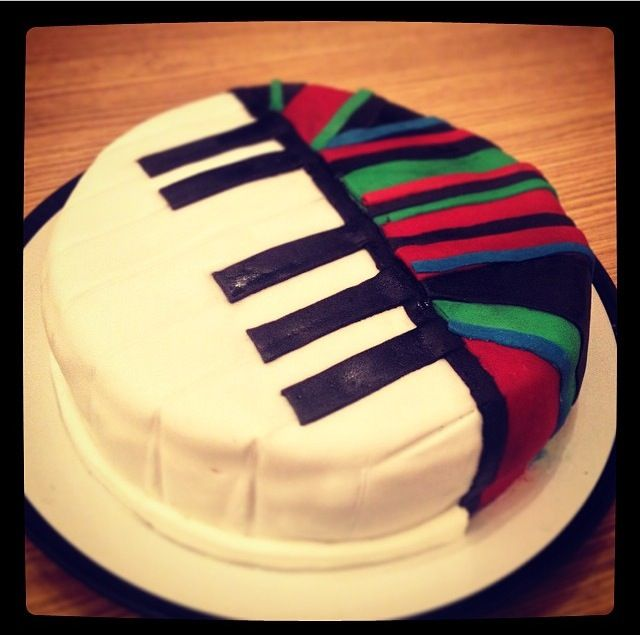 Piano abstract birthday cake