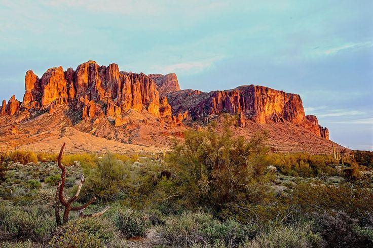 Superstition Mountains near Apache Junction, Arizona