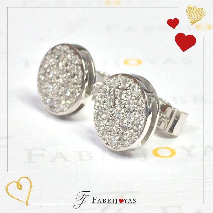 Entre las tendencias de este año de joyería para #AmorYAmistad: Los clásicos actualizados como aretes con chips de diamantes, o anillos de capas o pulseras. Si planeas comprar diamantes, averigua si tu pareja preferiría sacrificar el tamaño sobre la calidad o viceversa. 💝🌹💖 #FabrijoyasCali #FelizDíadeAmoryAmistad #JoyeriaCali