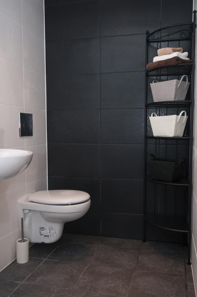 Dwupokojowe mieszkanie przy Zarębskiego, łazienka #interior #flat #bathroom #slkamienice #familok #nieruchomosci #kamienica