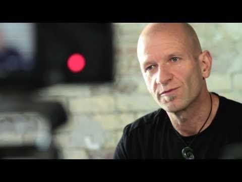 Canon EOS -- Wildlife Photography Tutorial with Chris McLennan