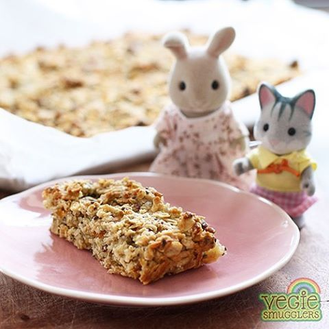 Freshly blogged - fruit & seed lunchbox bars. #eggfree #sugarfree #nutfree #lunchbox #treat