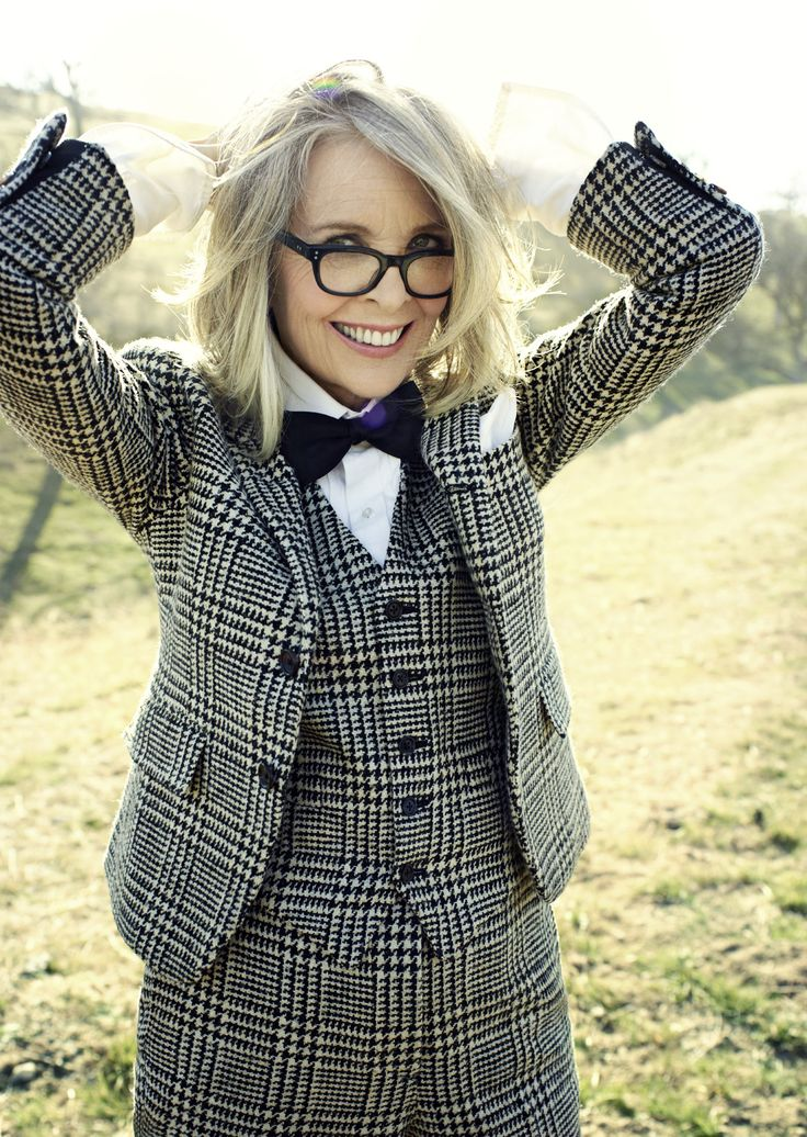 Stars wearing Glasses | The amazing Diane Keaton wears a very stylish plastic frame #DianeKeaton #glasses #eyewear @IhrAugenoptiker (found on: more.com)