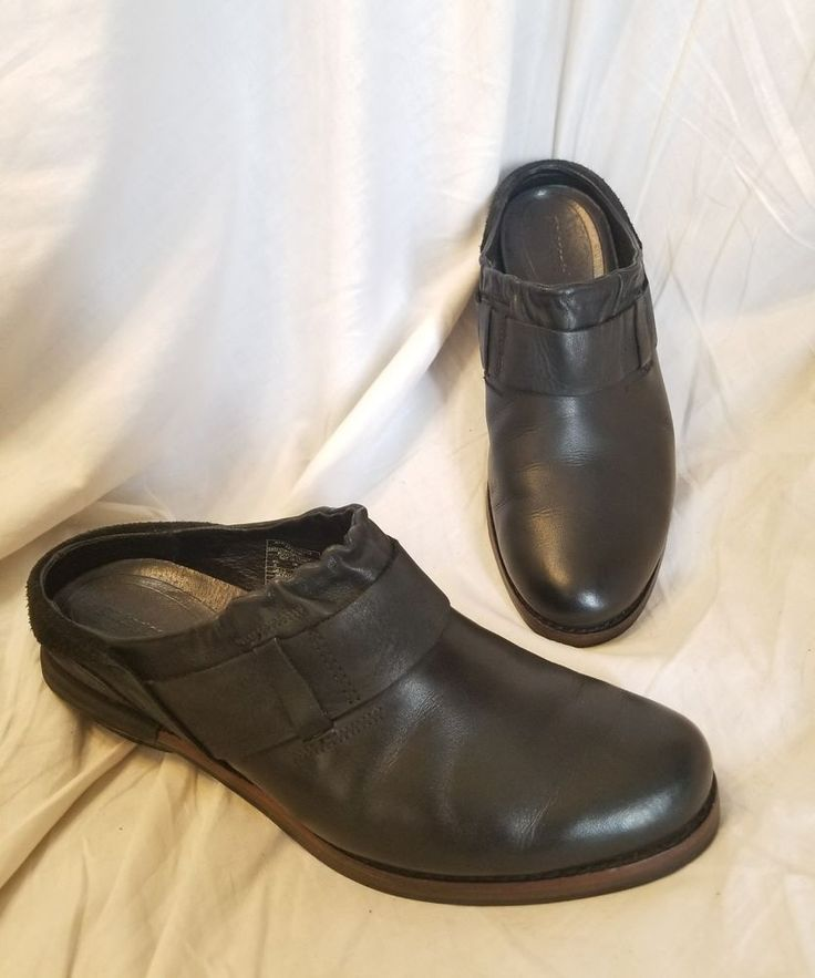Patagonia clogs 6 M Addie black leather mule flats  #Patagonia #Clogs