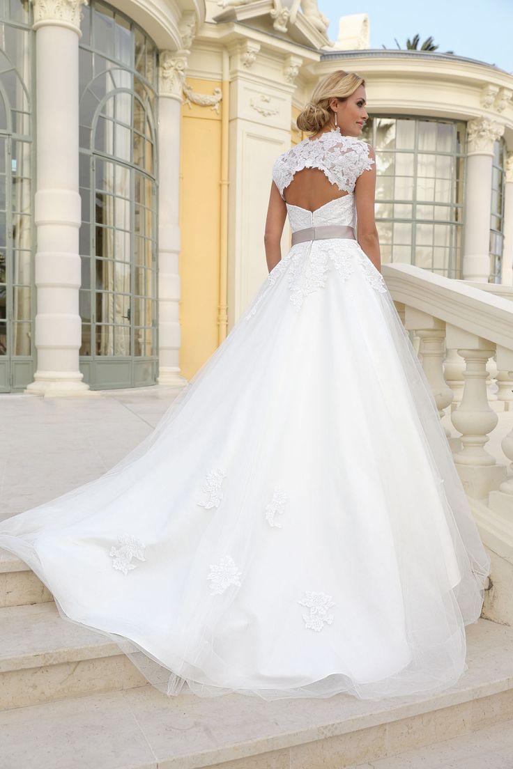 27 dresses wedding dress   best Hochzeitskleider images on Pinterest  Gown wedding