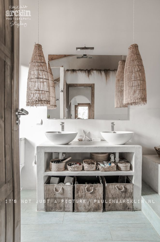 Ideas para el baño. made with lots of passion* - beachhouse interior design: Carde Reimerdes photo: Paulina Arcklin