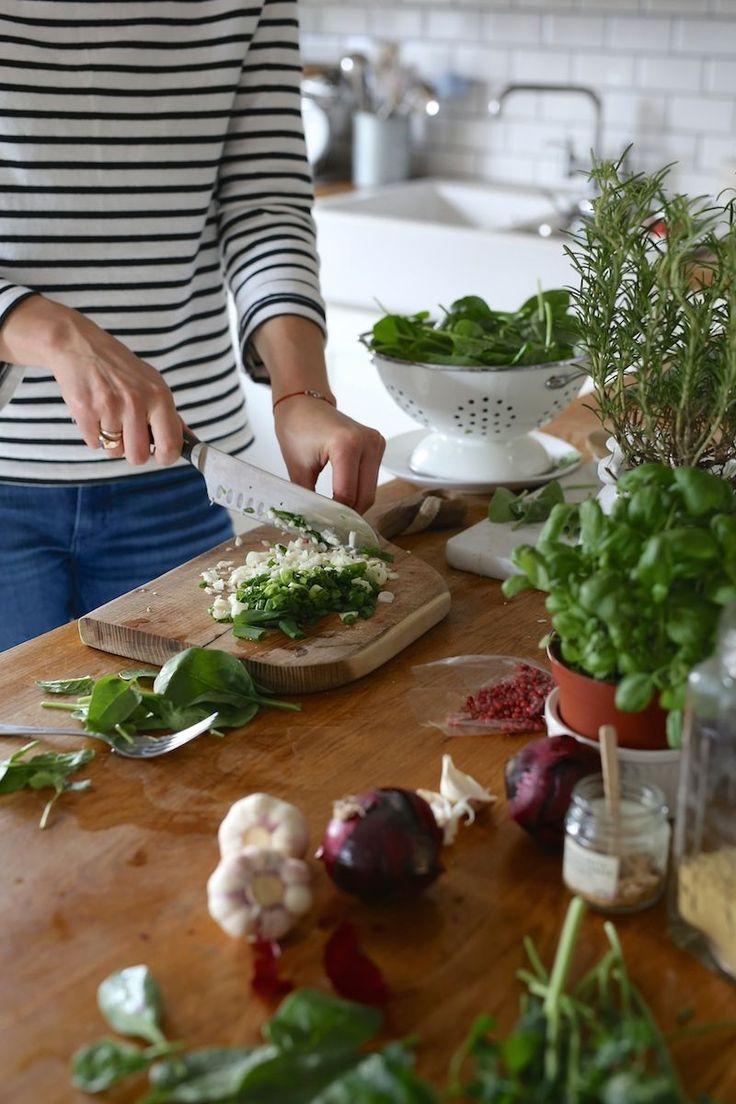 Placuszki z kaszą quinoa, szpinakiem, czosnkiem i fetą