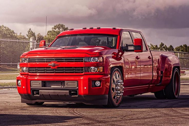 Lowered Chevy dually on 28s with drop visor | Chevy trucks ...