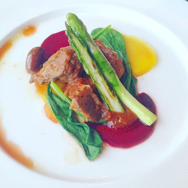 Duck with asparagus ,vegetablesat Mandarin Oriental Tokyo  #duck #meat #asparagus #vegetables #mandarin #hotel #tokyo #japan #lunch #restaurant #italian #food #foodie #foodstagram #model #modellife #yummy #鴨 #肉 #野菜 #マンダリン #ホテル #東京 #日本 #レストラン #イタリアン #おいしい #ランチ