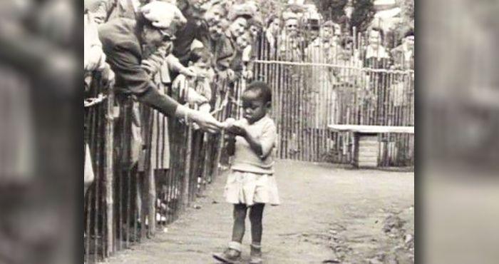 Aqui estão 15 tristes e chocantes imagens que revelam a obscura realidade dos zoológicos humanos ao longo da história.