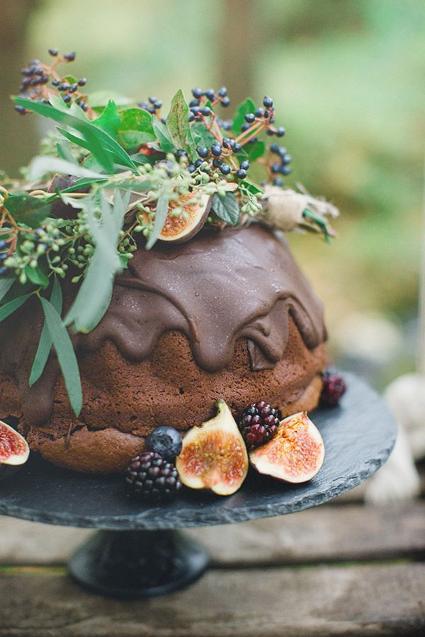 Three Sisters Bake cake Sparrow & Rose florals