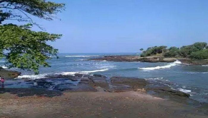 Wisata Pantai Cicalobak Garut Yang Keindahannya Tidak Kalah Dengan Pantai Bali