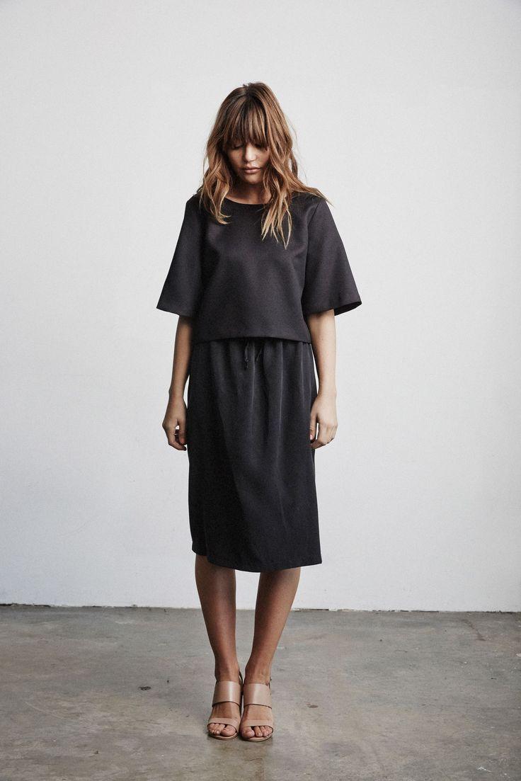 VETTA   The Blouse, midi skirt