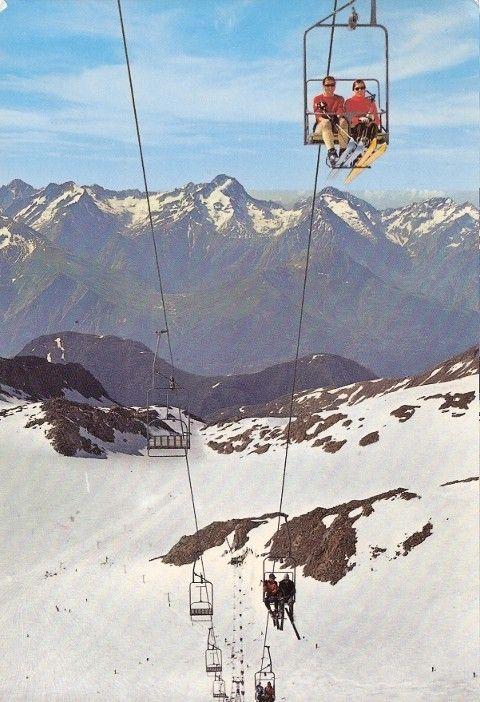 Ski d'été sur le glacier de Sarenne à l'Alpe d'Huez dans les années 70 - Vue du télésiège du Glacier