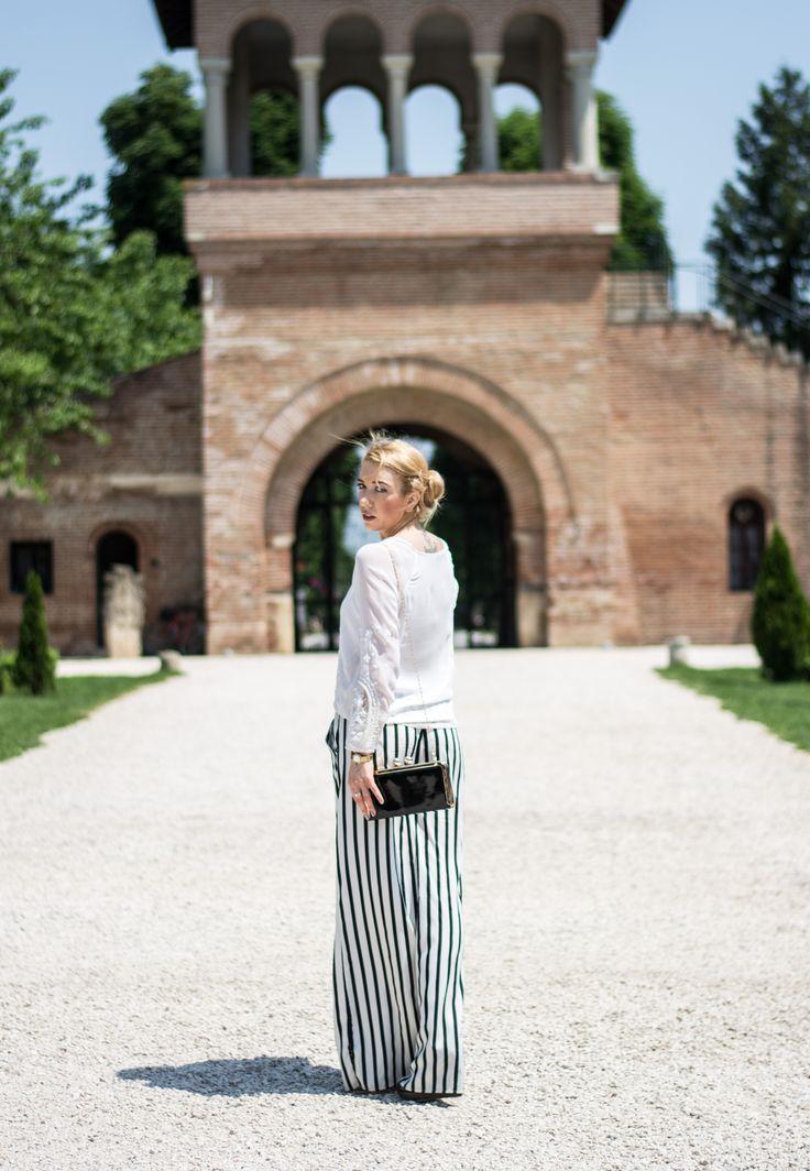 Black and white outfit Zara striped pants Zara delicate shirt Monoclu.ro look by Simona Preda