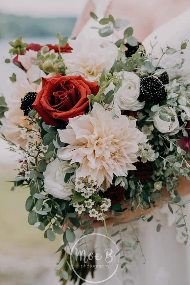 Pin On Wedding Flowers By Arnold S Flower Shop