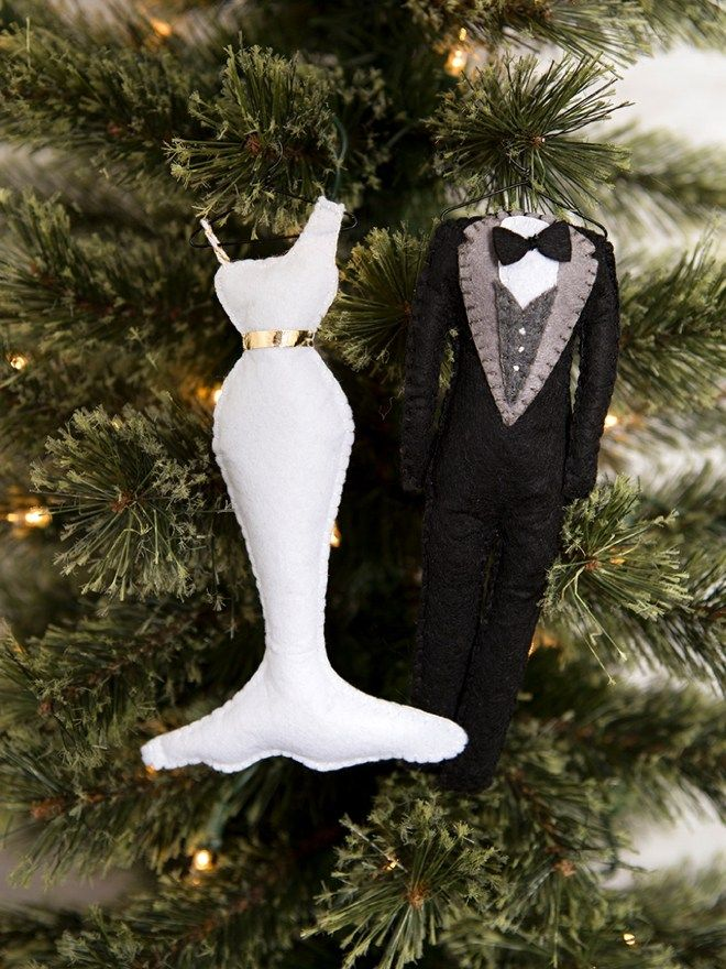 Learn how to make these felt bride and groom Christmas ornaments! - These DIY Felt Bride & Groom Christmas Ornaments Are SO Darling