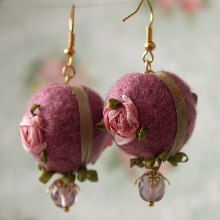 Silk ribbon emboidery - earrings