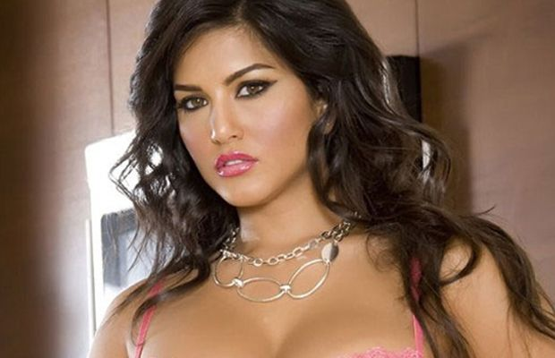 Sunny Leone in pink lips