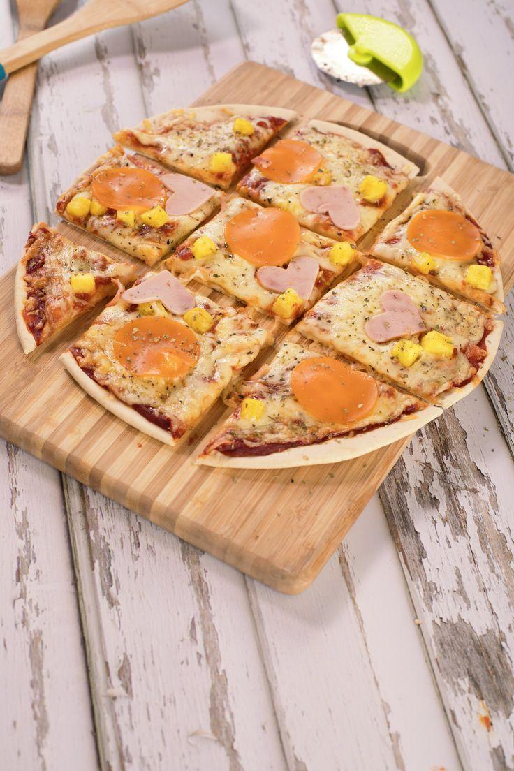 La pizza jamás pasará de moda, solo se transforma y se reinventa como en esta receta. #ResuelveConBimbo  #pizza #hawaiana ##piña #figatza #Bimbo
