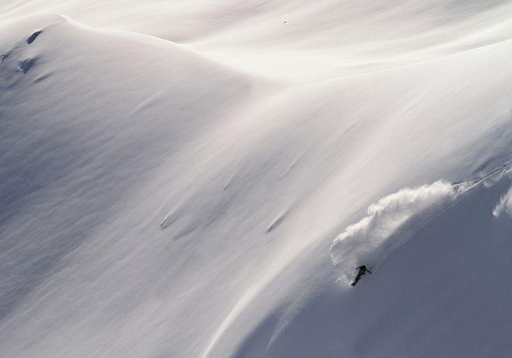 pure powder rider: chris schnabel photo: markus gmeiner