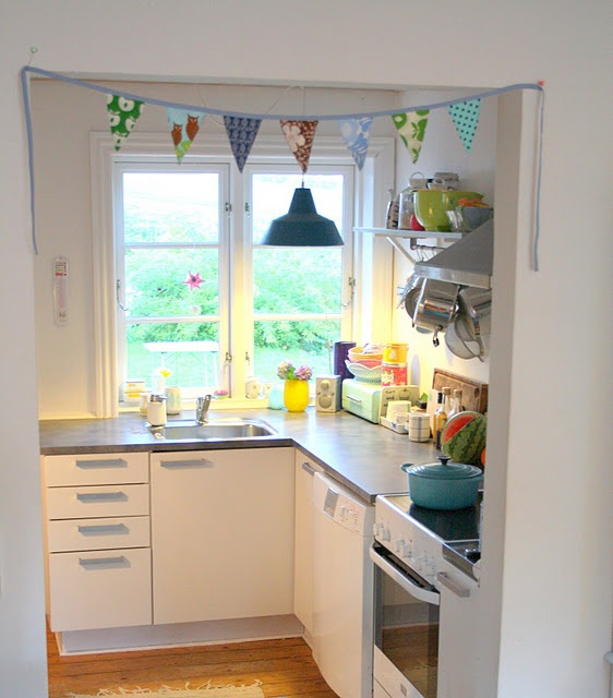 17 Cute Small Kitchen Designs: 17 Best Images About Small Spaces On Pinterest