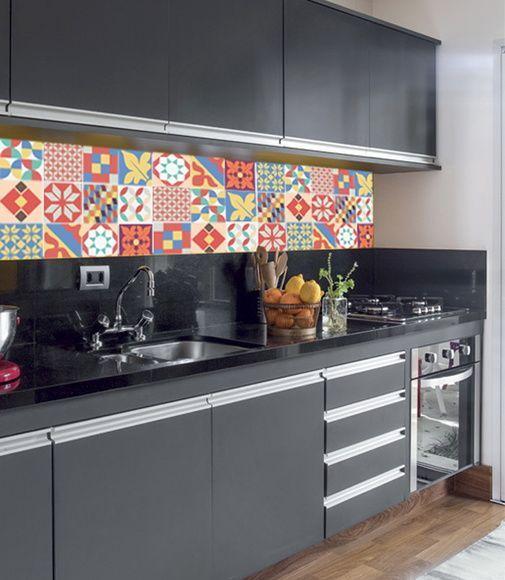Adesivo para Azulejo na cozinha preta