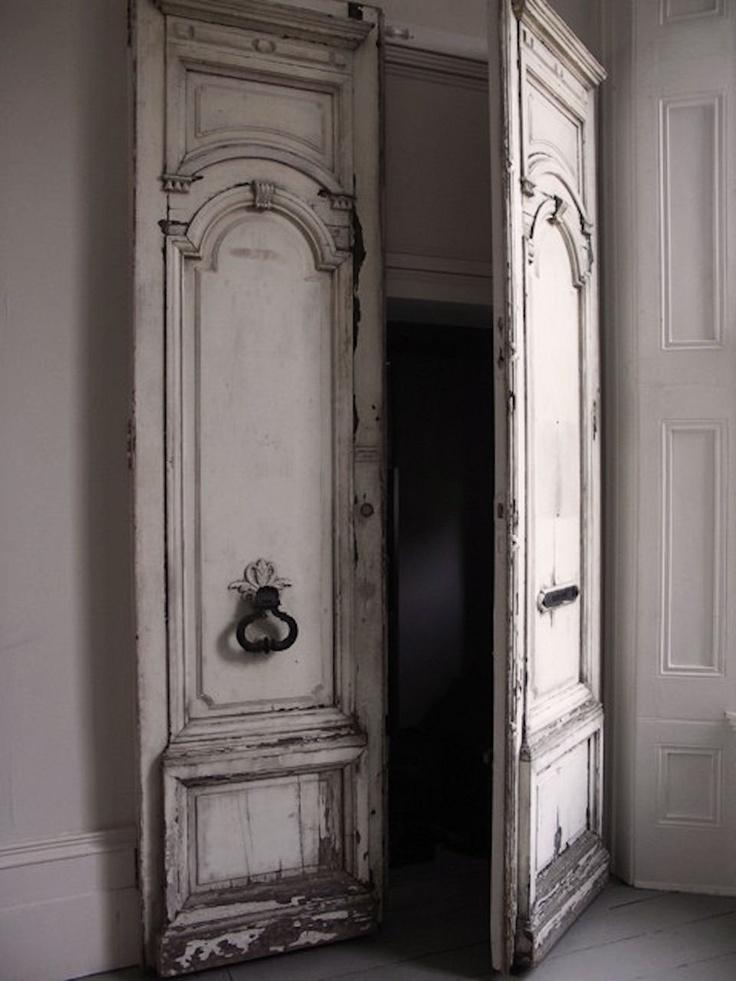 For the love of grey...: The Doors, Closet Doors, Simple Everyday, French Doors, Bedrooms Doors, Decor Doors, Everyday Glamour, Old Doors, Vintage Doors
