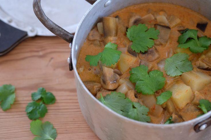Curry med potet og sopp