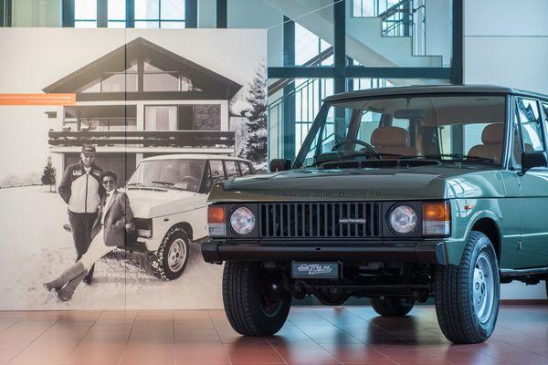 Range Rover Monteverdi 1981 Rare Frühe Viertürige Variante Dahinter Niki Und Marlene Lauda Aufnahmedatum 2018 Balz Schreier Ranger Oldtimer Bilder