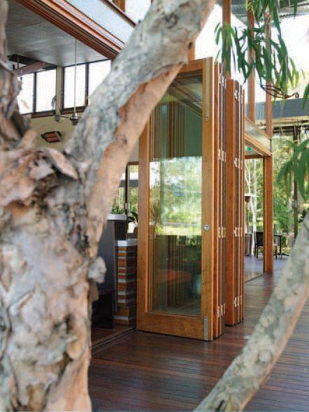 Best 25+ Accordion glass doors ideas on Pinterest | Accordion ...