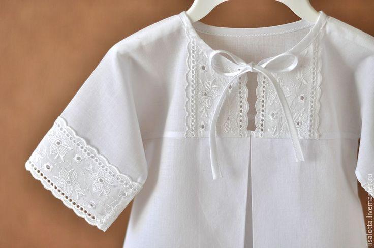 Купить или заказать Крестильная рубашка Нежный возраст в интернет-магазине на Ярмарке Мастеров. Нежная крестильная рубашка для самых маленьких, сшита из очень нежного хлопкового батиста и отделана хлопковым шитьем на батисте. В данный момент модель может быть выполнена в сочетании с другим шитьем или кружевом.