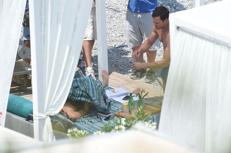 Foto - Mr e Mrs Grey in luna di miele al Paloma Beach | 50 Sfumature Italia