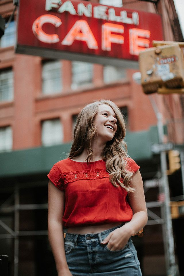 Blogger Bella Bucchiotti of xoxoBella.com shares about her trip to NYC New York in a photo guide format plus her stay at the Dream Midtown Hotel using Hotel Tonight.