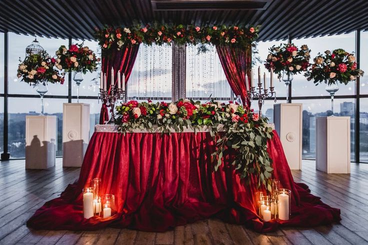 свадьба в бордовом цвете фото оформление зала: 16 тыс изображений найдено в Яндекс.Картинках