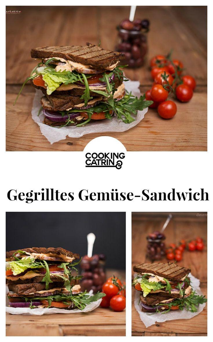 Gegrilltes Gemüse Sandwich, Gemüse Sandwich, Sandwich, Sandwich Rezept, vegetarisches Sandwich, Grill Sandwich, BBQ Sandwich, barbecue, veggie, vegetarian, vegetarisch, sandwich recipe, grilled veggie sandwich, grilled vegetable sandwich, healthy sandwich, gesundes Sandwich, Gemüse, veggies...http://www.cookingcatrin.at/gegrilltes-mediterranes-gemuese-sandwich/