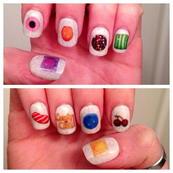 Dit zoete spel, Candy Crush bij uw vingertoppen!  Dit product wordt geleverd met 20 nail stickers en instructies. Dit zijn de waterkant nail stickers. Zij zullen niet schadelijk voor je nagels. Wanneer u klaar voor een verandering bent zijn ze gemakkelijk te verwijderen met nagellak remover.