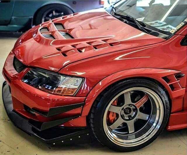 Track Red Mitsubishi Lancer Evolution 8/9