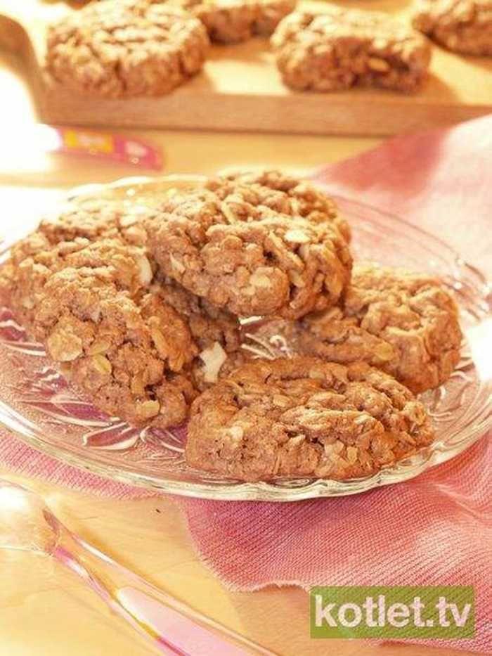 Czekoladowe ciasteczka owsiane z migdałami