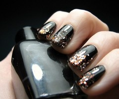 Ombre glitter nails.: Nails Art, Nails Design, Black Nails, Glitter Nails, Black Gold, Nails Polish, Black Glitter, New Years, Halloween Nails
