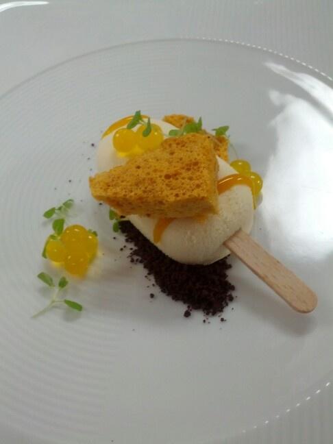 Anna Polyviou and Sydney Shangri La teams mango, yogurt, honeycomb and chocolate dessert. Favourite from the dessert dego night!