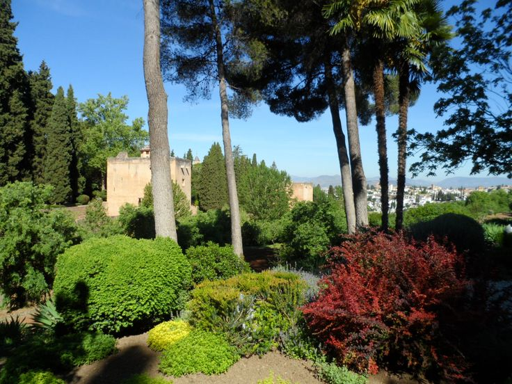 Alhambra, Granada, Andalucia, Spain. IMPROVE YOUR SPANISH FLUENCY IN 1-4 WEEKS !! Eurolingua One-to-One Language Holiday Homestay programme. A great great success for over 20 years!! http://www.eurolingua.com/programmes-mainmenu-100/language-programmes/language-homestays-worldwide-mainmenu-472