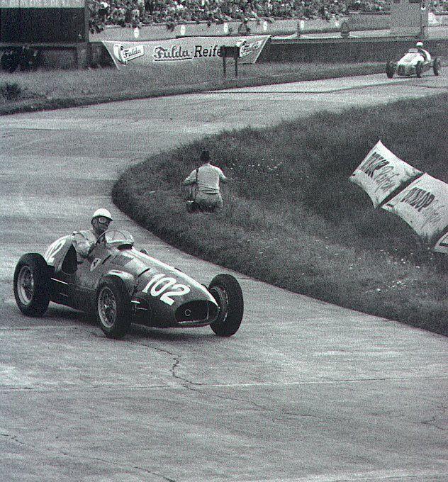 #102 Giuseppe Farina (I) - Ferrari 500 (Ferrari 4) 2 (2) Scuderia Ferrari