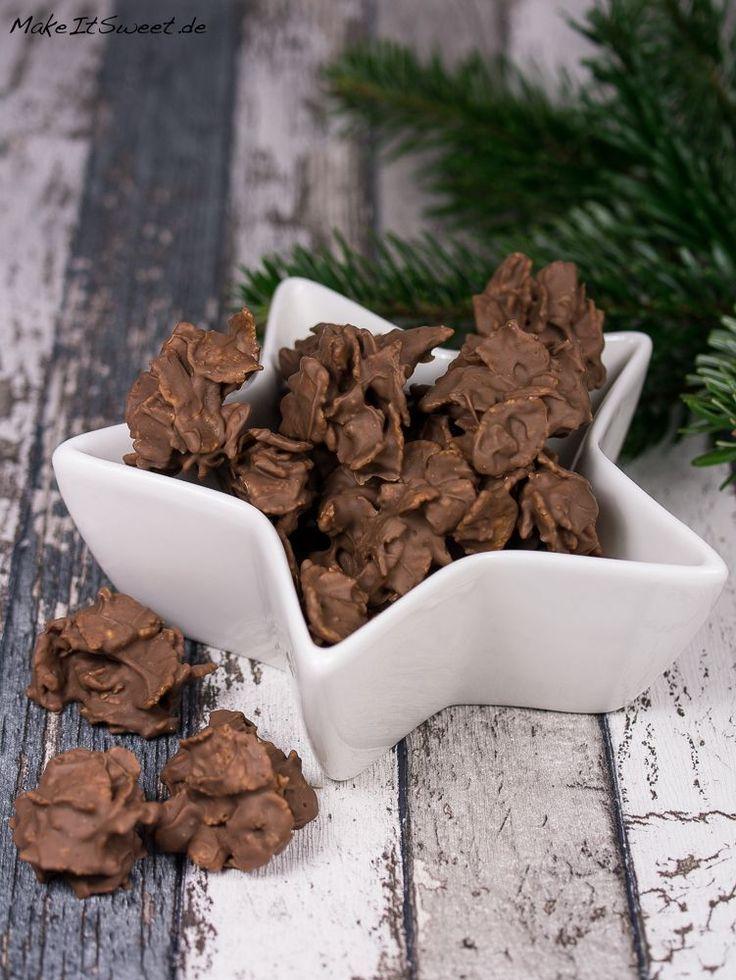Ein schnelles und einfaches Rezept für Spekulatius Cornflakes Plätzchen mit Schokolade. Man benötigt nur drei Zutaten für diese knusprigen Plätzchen.