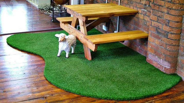 5 Examples of Astroturf Used INDOORS » Curbly | DIY Design Community