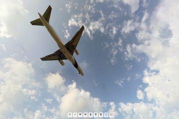 vista 360º de un avión aterrizando
