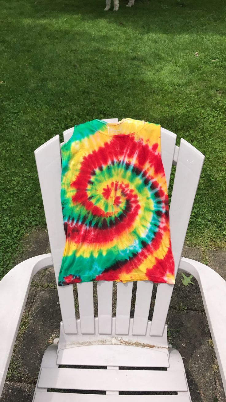 Custom Rasta DIY tie-dye tank! #custom #rasta #colors #yellow #red #green #tie #dye #tiedye #women #womens #girl #girls #tank #tanktop #summer #love #peace #happy #happiness #cool #clothes #clothing #home #homemade
