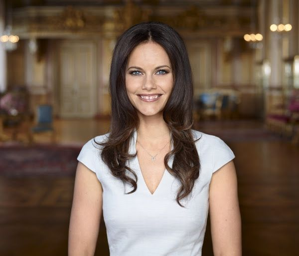New official photos of Prince Carl Philip and Sofia Hellqvist