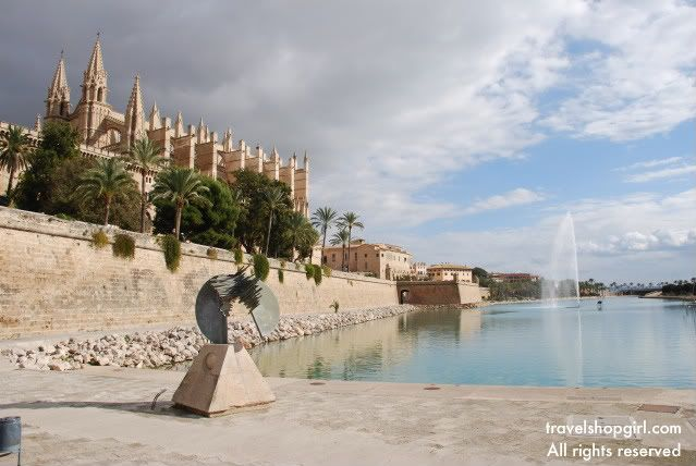 palma de mallorca spanish girl personals Where to stay in palma de mallorca: boutique hotel can cera think five star private palace, and you'll get the idea  set in a building dating back to the 13th .